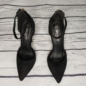 Revamped Pointed Toe Ankle Strap Heels Size 8